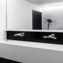 Chirec Delta Brussels - hand drying - Touchfree Toilet