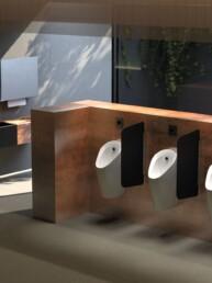 Urinal Preda with urinals - Touchfree Toilet