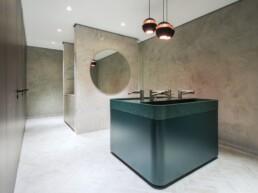 EDGE - washroom Dyson - Touchfree Toilet
