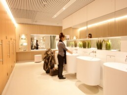 Schiphol Aiport Touchfree Toilet WC (4)